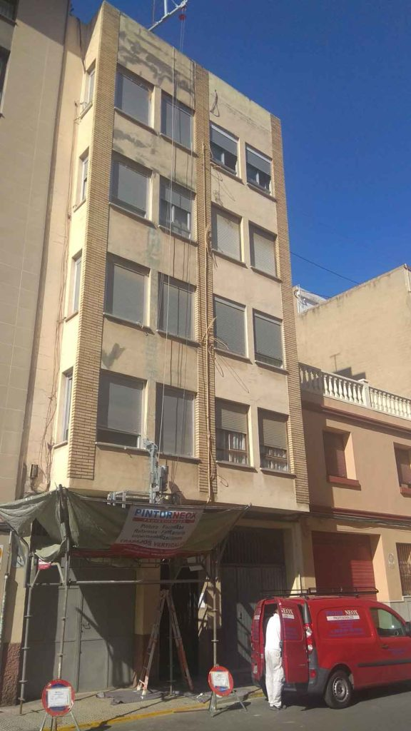 antes Restaurado de fachada y pintado Pinturneox Caastellón